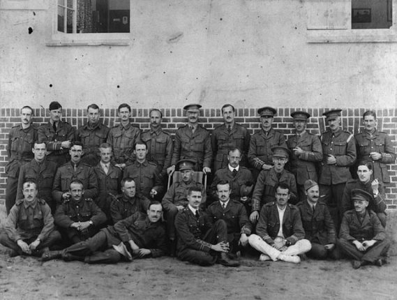 Canadian_WWI_POWs_in_Crefeld_1917